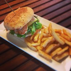 Got an urge for a scrumptious burger and drink deal? Come on in to Esprosini and let us make lunch for you.