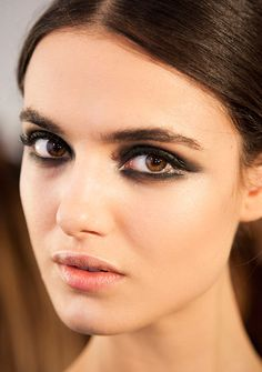 dark green smoky eye at cushnie et ochs fall 2015