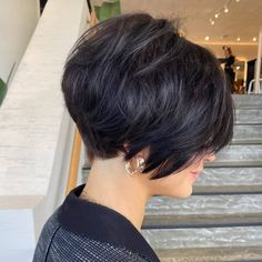 Short Choppy Haircuts, Short Shag Hairstyles, Haircuts For Fine Hair, Short Summer Haircuts, Short Choppy Bobs, Stacked Hair, Short Hair Trends, French Hair, Short Hair Cuts For Women