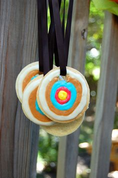 Target Cookie Necklaces ikat bag: Archery Party: Scenes From The Shooting Range