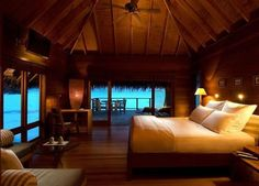 Island Bedroom | Content in a Cottage