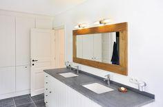 Ihr Spiegel braucht Licht? WL 106 löst das Problem.