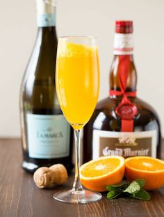 Just say no to boring mimosa recipes! This Grand Orange Mimosa is made with Grand Marnier and freshly squeezed orange juice and is so good you'll never drink them any other way. Trust us, the extra step of freshly squeezed orange juice is worth it! Cocktails, Cocktail Drinks, Cocktail Recipes, Alcoholic Drinks, Beverages, Drink Recipes, Martinis, Bourbon Recipes, Holiday Drinks