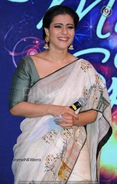 This talented actress who was always ridiculed for her fashion bloopers shocked everyone with her stunning appearance at the recently held Hindustan . Kajol Saree, Bollywood Saree, Bollywood Actress, Beautiful Saree, Beautiful Indian Actress, Checks Saree, Divas, Saree Trends, Simple Sarees