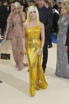 Every Look From The 2017 Met Gala Red Carpet - Fashionista Donatella Versace, Chanel Iman, Emily Ratajkowski, Gold Dress, Yellow Dress, Estilo Fashion, Ideias Fashion, Kendall Jenner, Juicy Couture