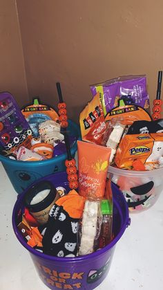 Cute Couple Halloween Costumes, Halloween Inspo, Halloween Season, Holidays Halloween, Spooky Halloween, Halloween Treats, Halloween Decorations, Halloween Gift Baskets, Halloween Care Packages