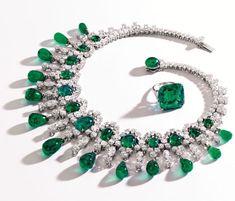 Collar Bulgari en esmeraldas y diamantes