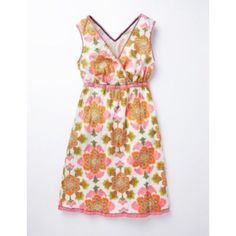 Boden Floral Summer Crinkle Dress Size 14L Excellent condition. Fits true to size (just slightly too big for my mom who is a 12). Fully lined. 100% cotton. Gorgeous dress for the spring and summer. Elastic waist. Boden Dresses