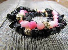 Pink and Black Beaded Bracelet Trio / Bracelet Trio / Beaded Bracelet Stack Beaded Bracelets, Trending Outfits, Unique Jewelry, Handmade Gifts, Pink, Etsy, Vintage, Black, Fashion