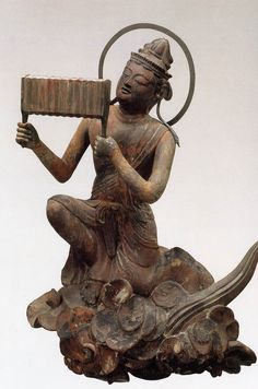 雲中供養菩薩像, 南1号像/Unchu Kuyo Bodhisattva   http://www.geocities.jp/saitohmoto/hobby/gakki/Byodoin/Byodoin.html