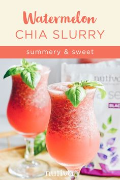 Nothing says summer quite like cold watermelon, so we mixed it up with chia seeds and kombucha for the ultimate beat-the-heat beverage! Easy Smoothie Recipes, Easy Smoothies, Smoothie Drinks, Summer Drinks, Fun Drinks, Healthy Drinks, Alcoholic Drinks, Beverages, Cocktails