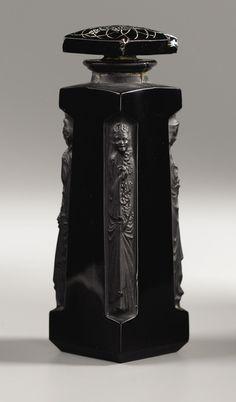 Antique vintage perfume scent bottle by Rene Lalique, Paris, France c.1911