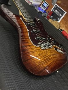 https://www.facebook.com/GnLguitars/photos/a.179495642742.153348.160781862742/10155248256332743/?type=3