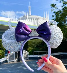 We Asked Our Readers: What Do You Think Will Be the First Thing to Sell Out When the Parks Reopen? Disney Minnie Mouse Ears, Diy Disney Ears, Disney Diy, Disney Crafts, Cute Disney, Disney Style, Disney Bows, Disney Ears Headband, Disney Headbands