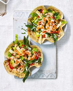 Serve these prawn taco salad bowls to eight people for a light and speedy starter or split between four plates for a tasty Friday night meal. Healthy Dinner Recipes, Mexican Food Recipes, Ethnic Recipes, Healthy Food, Taco Salad Bowls, Prawn Recipes, Delicious Magazine, Yummy Food