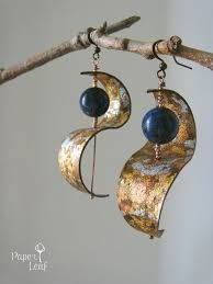 www.wire wrapped cooper, white glass, beaded earrings ile ilgili görsel sonucu