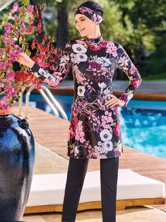 Full Cover 4072 Burkini Swimsuit is one of the most stylish set of 2019 spring - summer collection Full Cover 4072 Burkini Swimsuit details, Islamic Swimwear, Muslim Swimwear, Swimming Gear, Swimming Costume, Bonnet Cap, Red Swimsuit, Workout Pants, Summer Collection, Spring Summer