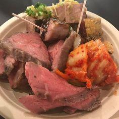今日は取引先企業さんのパーティーに参加 焼かない焼肉屋、29ONさんの 低温調理されたお肉を沢山いただきました どの部位も肉の旨みいっぱいで美味しい✨ ご馳走さまでした  #西新宿 #29on #取引先企業 #パーティー #焼かない焼肉屋 #肉 #てんこ盛り #どれも #美味しい #ご馳走様でした
