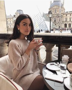 beautiful and elegant Source by heysunnyjess outfits classy Paris Outfits, Fall Outfits, Fashion Outfits, Parisian Style Fashion, Parisian Street Style, Classy Aesthetic, Elegantes Outfit, Rich Girl, Mode Vintage