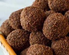 Boules de patates douces, chocolat et coco Croq'Kilos : http://www.fourchette-et-bikini.fr/recettes/recettes-minceur/boules-de-patates-douces-chocolat-et-coco-croqkilos.html