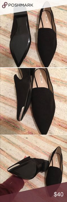 Zara pointed black suede loafers *trending SS17 Zara Basic pointed black suade loafers *trending Spring Summer 2017* Reposh...Size 9 (Euro 39) but run a tad small like other Zara shoes I have found. Brand New when purchased on here literally just wore them from my house to my car and realized that they were going to be too small. Hate to part!!! Make me an offer :) Zara Shoes Flats & Loafers