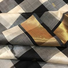 Thamboori handwoven pure kanjivaram silk cotton- black and white checkers beauty Simple Sarees, Indian Sarees, Indian Beauty, Hand Weaving, Pure Products, Saris, Black And White, Pattern, Cotton