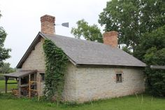 Largely found in upstate New York and the Midwest, summer kitchens were used in the and early centuries to separate kitchen activities from the rest of the house during the warmer months. Kitchen Images, Kitchen Photos, Kitchen Ideas, Kitchen Designs, Kitchen Decor, Kitchen New York, Open Kitchen, Roof Styles, House Styles