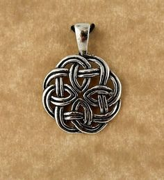 Sterling silver Celtic Knot unisex pendant by celtictreasures