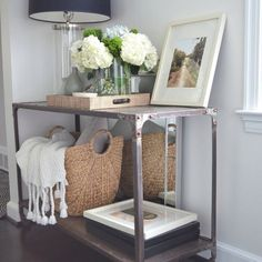 Entrance table display