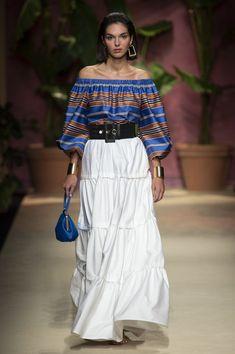 Fashion Over 50, Look Fashion, Spring Fashion, High Fashion, Fashion Outfits, Milan Fashion Weeks, Fashion 2020, Runway Fashion, Womens Fashion
