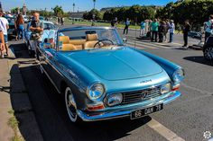 #Peugeot #404 #Cabriolet à la Traversée de #Paris en #Voitures #Anciennes #TdP2015 Article original : http://newsdanciennes.com/2015/08/03/grand-format-news-danciennes-a-la-traversee-de-paris-2/ #Cars #Vintage