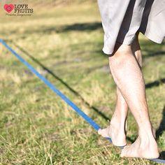 Slackline! Saiba mais sobre esse esporte que está com tudo!  Confira no blog: http://blog.lovefruits.com.br/