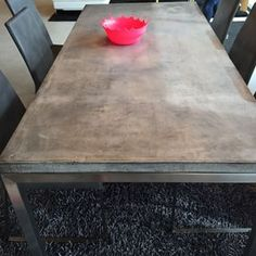Digging this concrete top table.  #Furniture #concrete #dinning #dinningtable #homefurnishing #moden #housefurniture