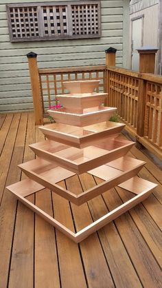 25 Simple Ideas to Make Cascading Garden Planter - Rockindeco - 25 Simple Ideas to Make Cascading Garden Planter 12 You are in the right place about garden boxes H - Wood Planters, Garden Planters, Balcony Gardening, Gardening Hacks, Gardening Gloves, Planter Pots, Design Jardin, Garden Design, Outdoor Projects