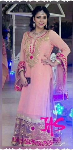 #PartyWearPlazoSuitOnline #LatestPlazoSuit #StylishPlazoSuitOnline #BestPlazoSuitSale Maharani Designer Boutique To buy it click on this link : http://maharanidesigner.com/?product=Buy-Plazo-Suit-Online Fabric - Georgette Handwork (gotta pati) Rs. 9900 For any more information contact on WhatsApp or call 8699101094 Website www.maharanidesigner.com