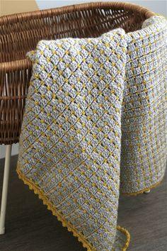 Stoere gehaakte babydeken – Cuddlycool Modern Crochet, Crochet Home, Crochet For Kids, Knit Crochet, Easy Knitting Patterns, Crochet Blanket Patterns, Baby Blanket Crochet, Crochet Box Stitch, Crochet Stitches