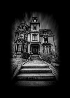 The Haunted Victorian Mansion - TrigPhotography Haunted Houses For Sale, Haunted House Pictures, Haunted Houses In America, Abandoned Houses, Abandoned Places, Old Houses, Most Haunted, Haunted Places, Haunted House Drawing
