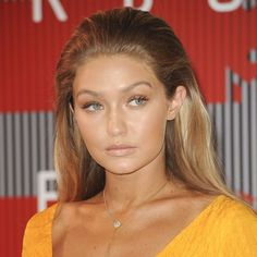 Here's How to Get Gigi Hadid's Gorgeous Slicked-Back Hair Look from the 2015 VMAs