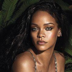 like for more : iconsbadgalriri Rihanna Vogue, Rihanna Fenty, Best Of Rihanna, Rihanna Style, Rihanna Outfits, Jenifer Lawrence, Black Actresses, Bare Face, Bad Gal