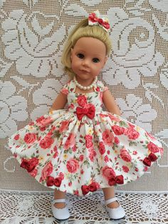 Hannah Gotz in my 1950's Dress in a lovely Rose & Hubble fabric, trimmed with my handmade satin bows.