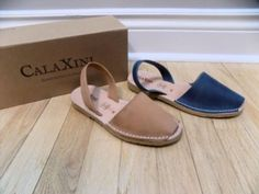 37.50$  Watch now - http://visfb.justgood.pw/vig/item.php?t=x2vg6qq48634 - CALAXINI Simple Perfect Sandals from Soft Surroundings Blue Brown NEW