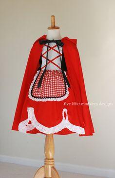 La Collection de tous les jours Princess est parfaite pour la petite fille qui veut porter des robes de princesse toute la journée, tous les jours. Ces robes sont parfaites pour playtime, vacances Disney, habillage, costumes dHalloween ou encore un voyage à lépicerie. La robe peu Red Riding Hood inspiré est construite de tissu de coton avec un corset faux sur le corsage. Il dispose également d'un tablier attaché Vichy doux avec bordure oeillet et ric rack pour compléter le look. Il a un…
