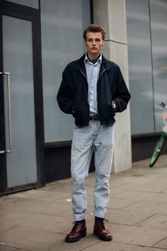 The best street style at London Fashion Week Men's Swag Style, Style Casual, Casual Street Style, London Street Style Men, Men's Style, London Fashion Week Mens, Mens Fashion, Fashion 2020, Casual Shirts For Men
