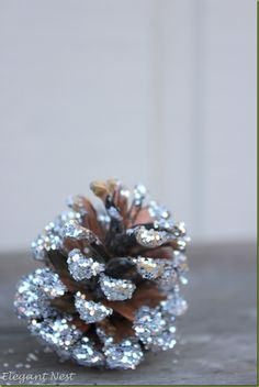 make your own glitter pinecones via Elegant Nest...