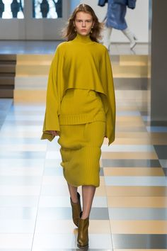 Jil Sander Fall 2017 Ready-to-Wear Fashion Show - Estelle Nehring