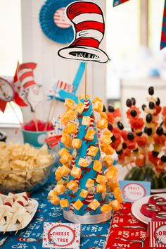 Dr Seuss' Cat in the Hat Birthday Party Dr Seuss Party Ideas, Dr Seuss Birthday Party, Baby Boy 1st Birthday, Birthday Fun, First Birthday Parties, Dr Seuss Baby Shower Ideas, Birthday Ideas, Elmo Party, Mickey Party
