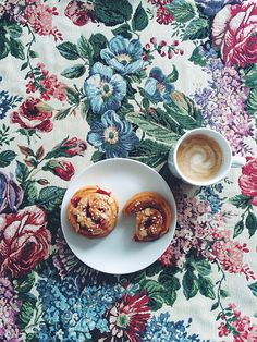 Red currant buns and a cappuccino