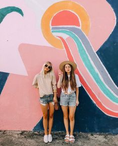 Break outfits georgia 62 Cute Spring Break Outfits Ideas That You Must Have Best Friend Pictures, Bff Pictures, Friend Photos, Cute Photos, Family Pictures, Friend Picture Poses, Foto Best Friend, Best Friend Fotos, Bff Pics