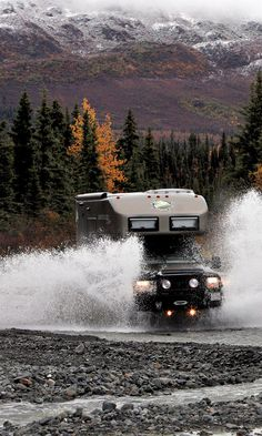 Starting with a Ford F-550 chassis, the Colorado-based team at EarthRoamer converted the heavy-duty truck platform into a luxury off-road camper.
