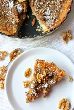 Walnut Cake from Périgord Nut Recipes, Wine Recipes, Great Recipes, Dessert Recipes, Favorite Recipes, Desserts, Pie Crumble, Savory Tart, Healthy Cake
